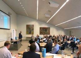 Markedsindsigt og nyttige analysetips til en fyldt konferencesal