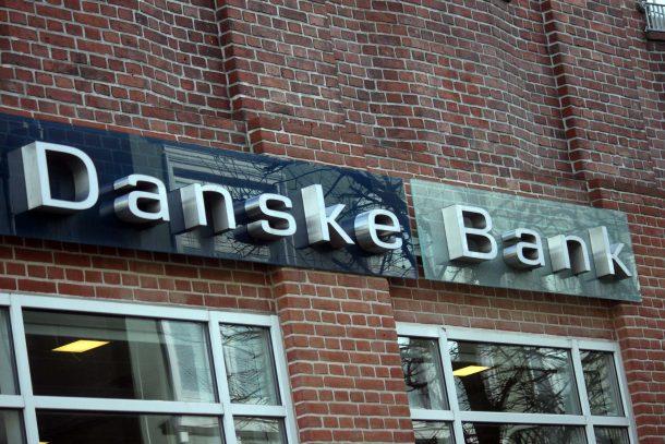 Danskerne flygter fra de store til de små banker. Er du en af dem?
