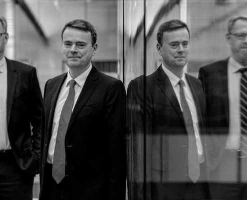 Jyske Bank er årets velhaverbank - men Nykredit haler ind på Anders Dam & Co.