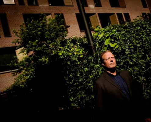 Danskerne bruger sjældent bankfilialerne - men vil ikke undvære dem