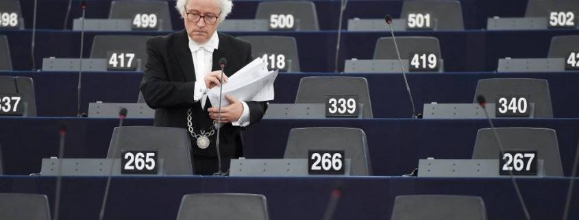 Danske parlamentarikere arbejder i skyggen