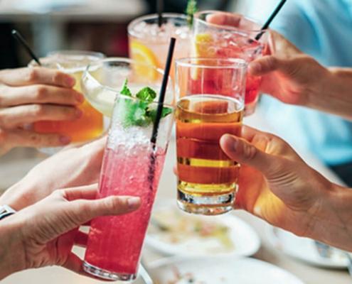 Blå Kors enig med spiritusbranche: Forbyd salg af alkohol til mindreårige